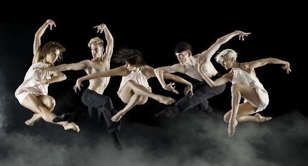 20150117_bjm_Les_Ballets_Jazz_de_Montreal_3_c_Benjamin_von_Wong