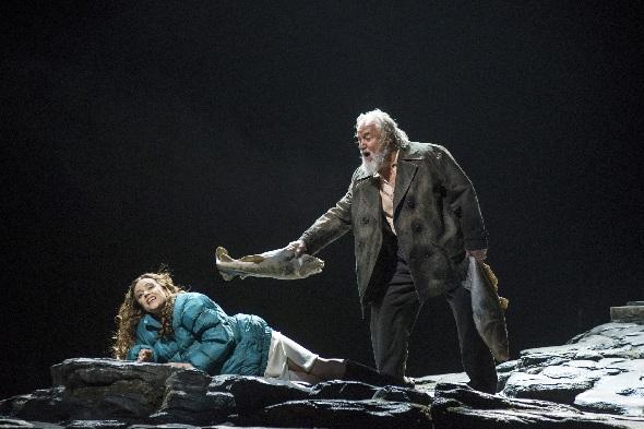 Evelyn Herlitzius, Lady Macbeth, Sir John Tomlinson, Boris T. Ismailow, Foto Mrcus Lieberenz