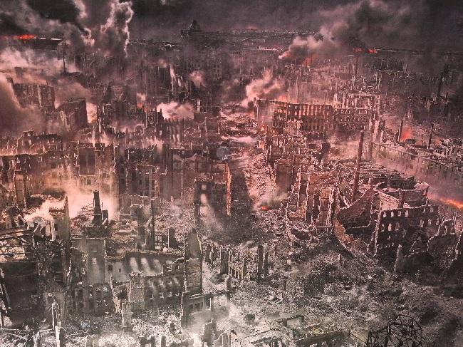 Asisi-Panorama, 1945, Dresden brennt