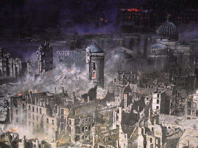 Asisi-Panorama, 1945, zerstörte Frauenkirche