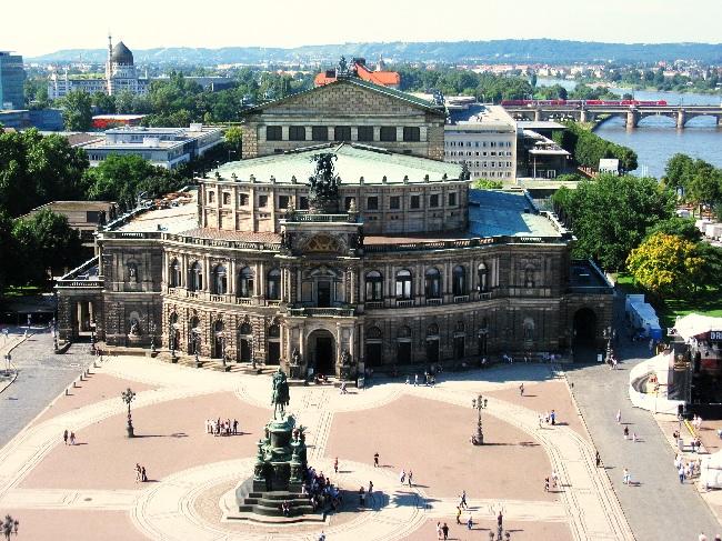 Dresden, Blick vom Hausmannsturm auf die Semperoper