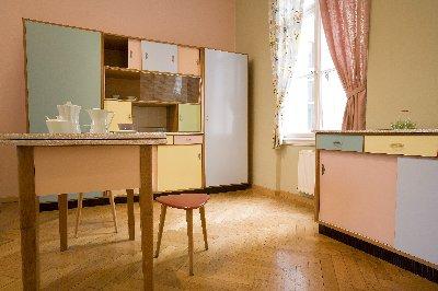 Hofmobilien Küche 50er Jahre Pink~2