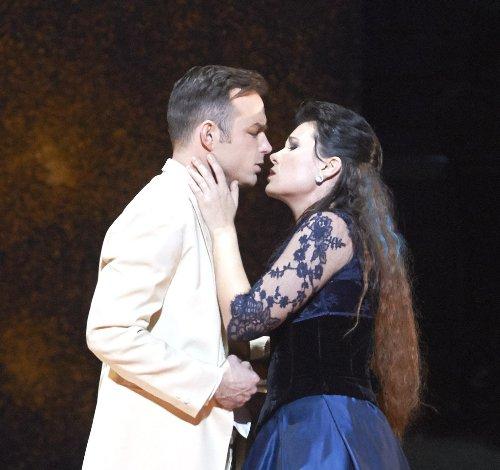 La_Traviata_75549 sie und er~1