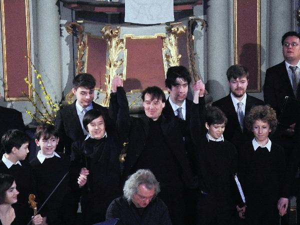Mitglieder und Dirigent des Staats- und Domchores Berlin