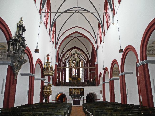 Dom, Langhaus mit hohem Chor