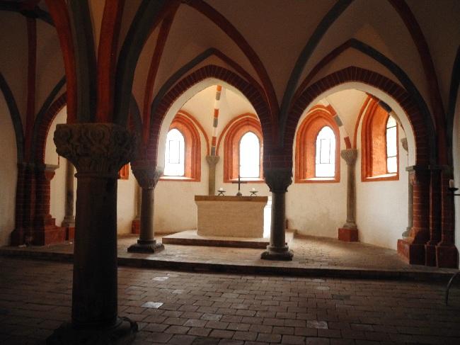 Dom St. Peter und Paul, Krypta, b