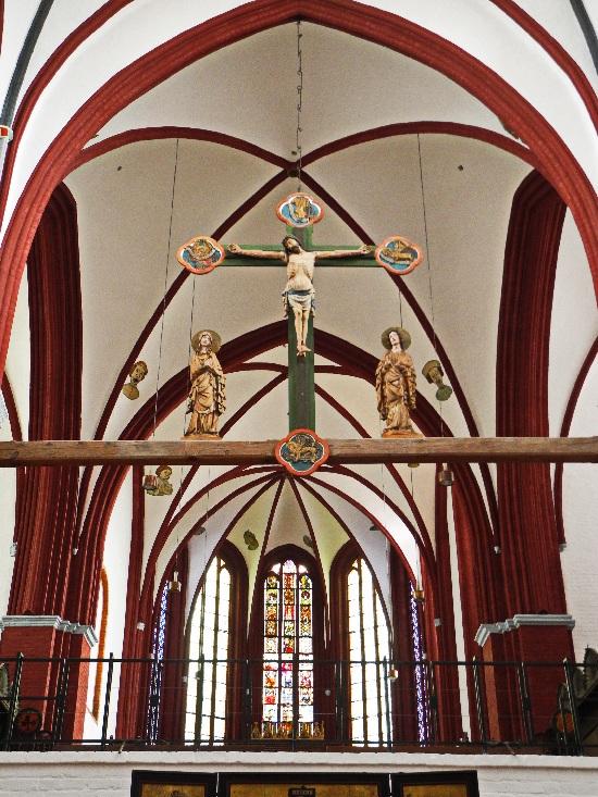 Triumphkreuzgruppe, 15. Jh. vor dem Hohen Chor