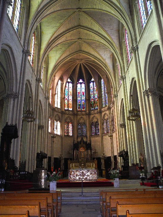 Kathedrale St.Pierre, Kirchenschiff