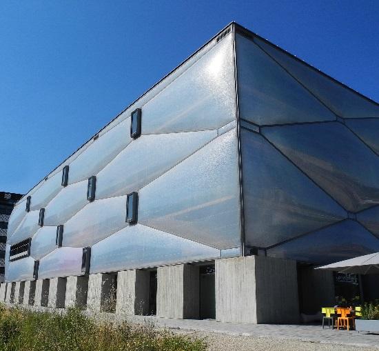 Le Nuage, 2014, Philippe Starck, seitlich