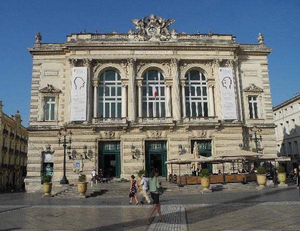 Oper von 1888, Place de la Comédie