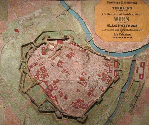 Ring Plan der ummauerten Stadt~1