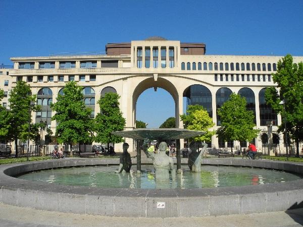 Stadtviertel Antigone, Bauten und Brunnen, 1979-2000, Ricardo Bofill