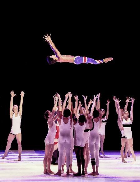 Béjart Ballet Lausanne, ballet for life, Foto Francette Levieux, b