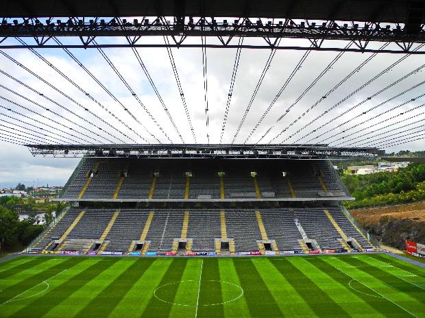 Bragas Fußballstadion von Eduardo Souto Moura