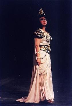Gabriela Drăguşin als Amneris