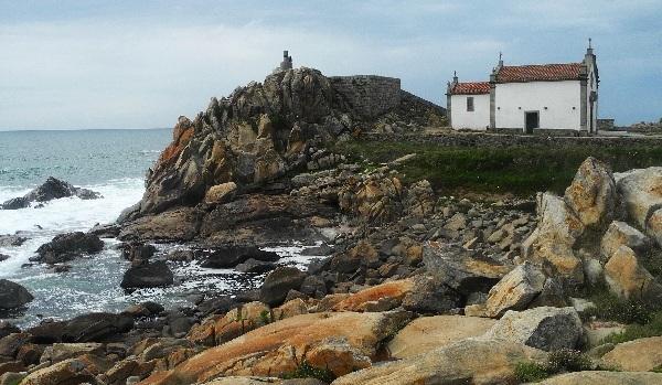Porto, alte Fischerkapelle am Atlantik