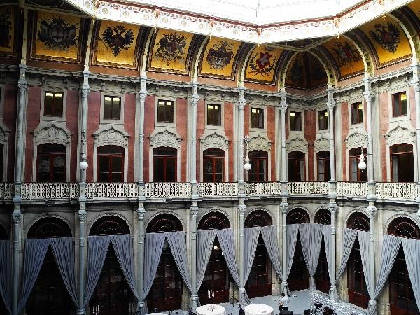 Portos frühere Börse, jetzt Saal für Events