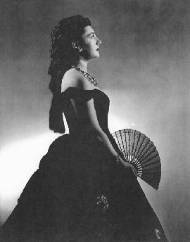 Elizabeth FRETWELL als Traviata