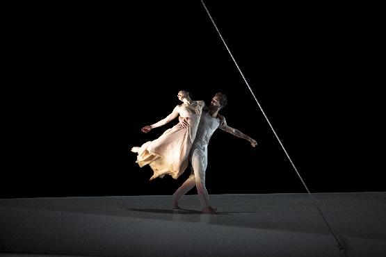 Roméo und Juliette beim Liebestanz, Foto Bernd Uhlig