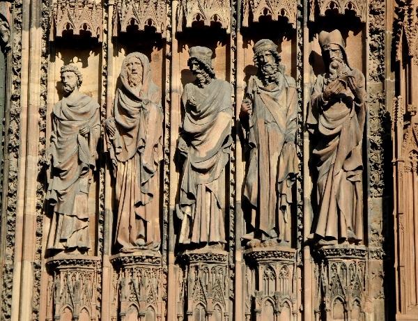 Westfassade, Propheten am Marienportal