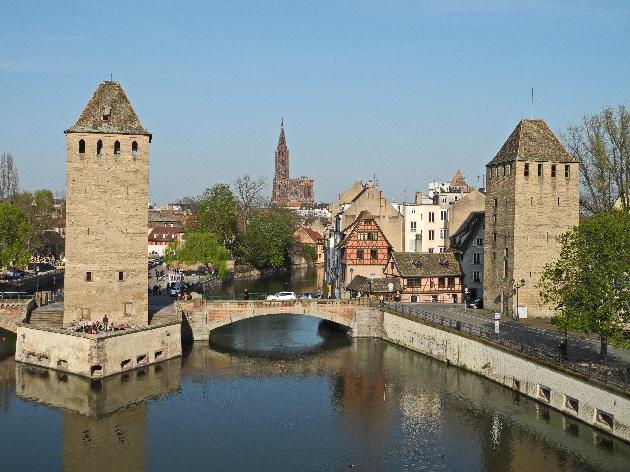 die gedeckten Brücken, die Ill und das Münster