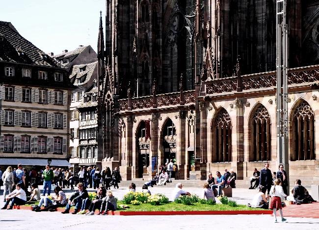 neu gestalteter Platz neben dem Münster