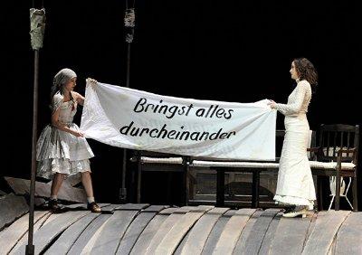 Burgtheater W Schelesnowa__AlinaFritsch_SabineHaupt~1