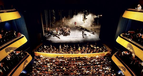 Oper_Frankfurt_(Rui_Camilo)