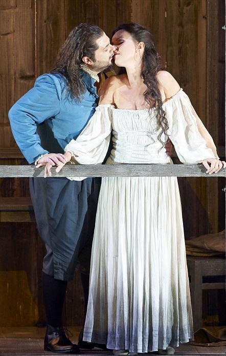 Celso ALBELO als Gualdie Maldé mit Aleksandra Kurzak