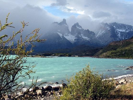 Patagonien, Chile, Los Cuernos (Hörner) hinter dem See