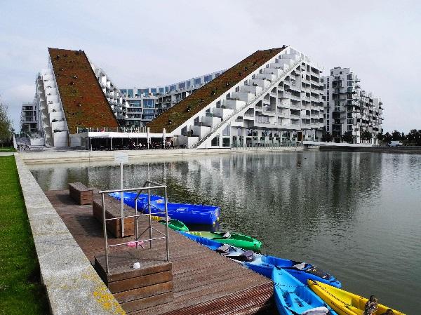 Ørestad, 8TALLET, Bjarke Ingels Group (BIG), mit Bootshafen