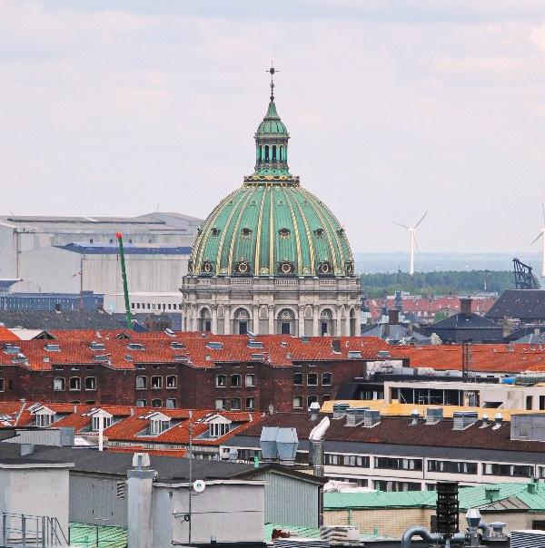 Blick vom Dicken Turm auf die Marmorkirche