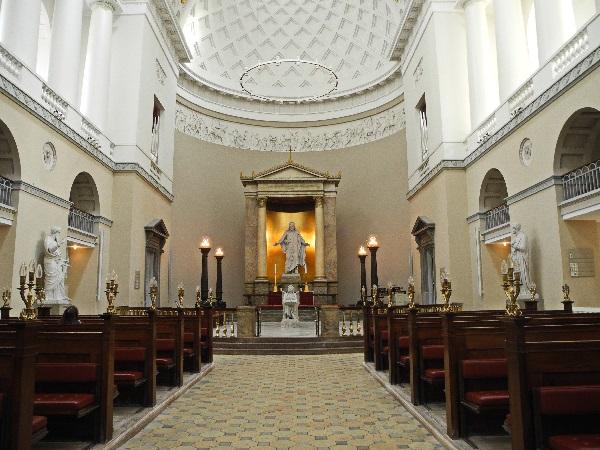 Kopenhagens klassizistischer Dom, Kirchenschiff