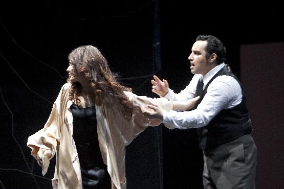 La Traviata, Sonya Yoncheva (Violetta Valéry), Abdellah Lasri (Alfredo Germont), Foto Bernd Uhlig