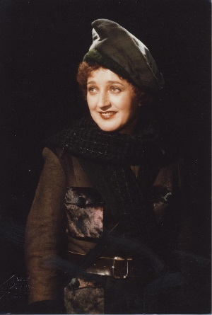 Magda Nador als Oscar