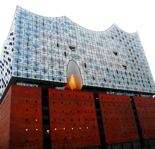 Elbphilharmonie am 22.01,17 am späten Nachmittag, Foto Ursula Wiegand, b