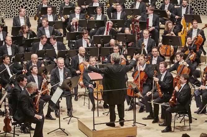 Semyon Bychkov dirigiert die Wiener Philharmoniker, Foto Claudia Hoehne