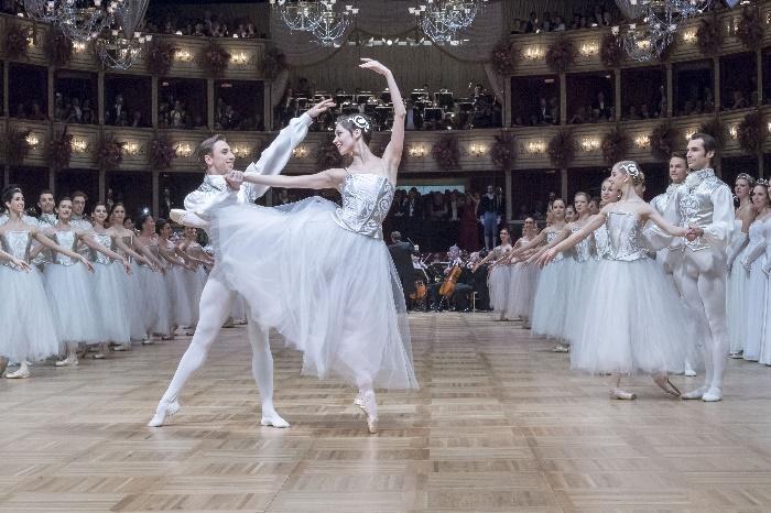 12_Opernball_2017_95912_Cherevychko-Yakovleva