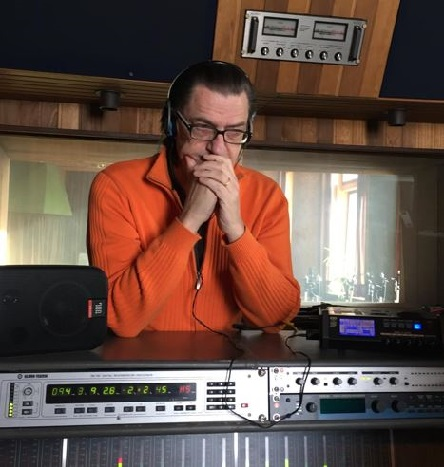 ARO 03 Mendler im Studio