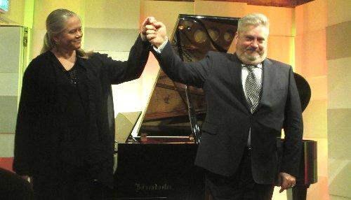 Paolo und Pianistin  est~1