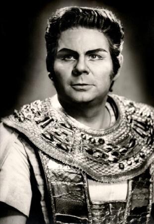 Francisco Lazaro als Radames