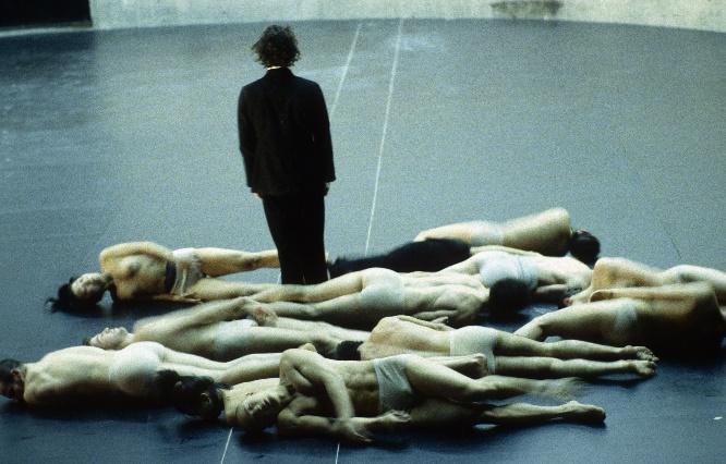 Körper von Sasha Waltz, Foto Bernd Uhlig