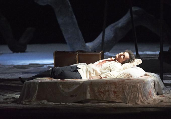 Jules Massenet: 'Werther', 4. Aufzug: Werther (Ludovic Tézier) am Sterbebett © Wiener Staatsoper/Michael Pöhn