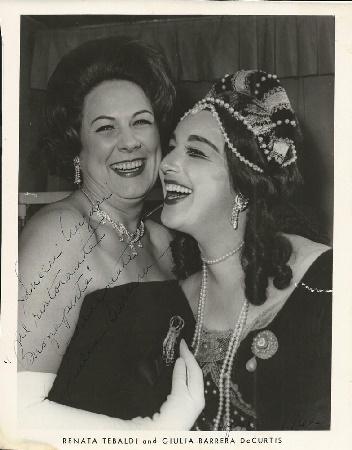 Giulia Barrera mit Renata Tebaldi