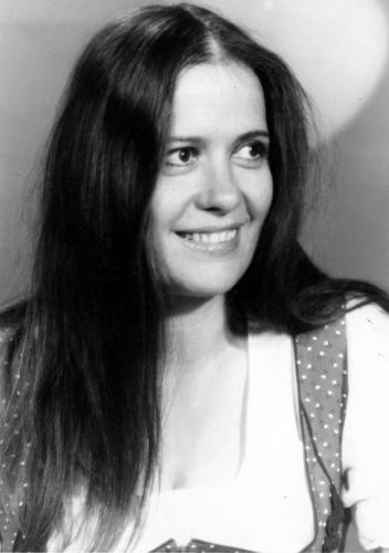 Carmen LAVANI