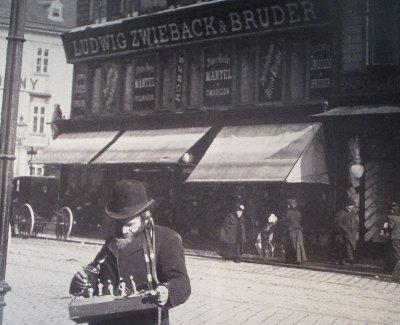 Kauft bei Juden Baulalden Jude vor Zwieback~1