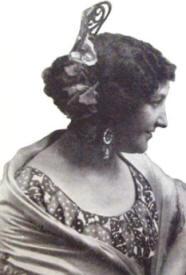Rhea Toniolo als Carmen