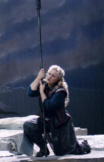 Gabriele Maria Ronge als Brünnhilde