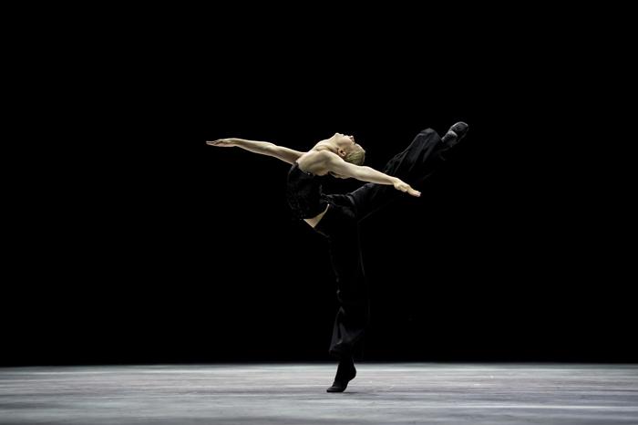 Lisa Van Couwenbergh als Black Swan - Foto: Alice Blangero