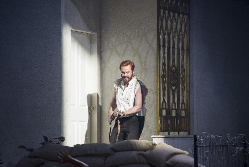 Thomas Walker als Zoroastre, Foto Moniks Rittershaus